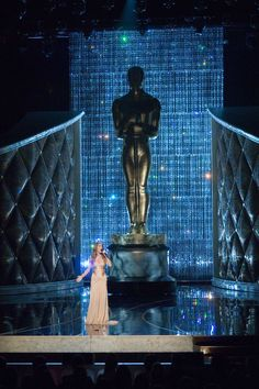 Swarovski crystal adds sparkle to the Oscars 2007 set as Celine Dion performs
