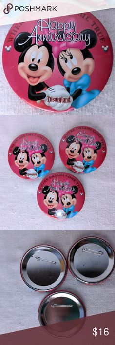 Disneyland Happy Anniversary! Button Pin RETIRED Disneyland Resort WHERE DREAMS COME TRUE Happy Anniversary! button/pin with Mickey & Minnie older version and retired (they rotate often at the park) These are park exclusives - you get them when you visit Disneyland and ask for it at the ticket window or City Hall - so yes, they are free (of course they is the price of admission!  currently running at $100+).  Price is for one, I have 3 available when listed. used, show wear, a little patina…