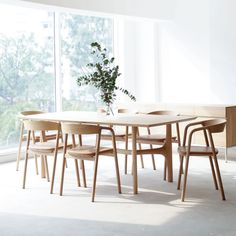 Brand: Ethnicraft Finish/Colour: Clear satin lacquer finished European Oak Lengths available: 8 - 10 Seater x cm 10 Seater x Features:- Sustainably sourced European oak - Lacquer finished - Durable hardwood - Easy to maintain