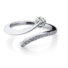 Picking The Perfect Wedding Rings For Men From Diamond District Block . Diamond Wedding Rings, Diamond Rings, Diamond Jewelry, Gold Jewelry, Jewelry Rings, Jewelry Accessories, Jewelry Design, Jewellery Box, Fashion Rings