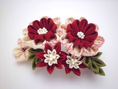 Red White Flower Bouquet Kanzashi Hair Comb/ Tsumami Kanzashi/ Bridal Hair Comb/ Kimono/ Floral Hair Piece/ Gift for Her/ OOAK