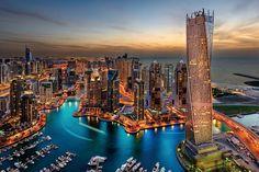 Trendykunst presenteert dit prachtige glasschilderij van Dubai.