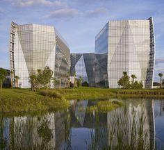 FBI South Florida Headquarters / Krueck + Sexton Architects, © Nick Merrick - Hedrich Blessing
