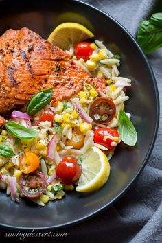 Healthy Grilled Salmon and Orzo Corn Salad: Make a picture perfect meal that is fresh and tasty too. Salmon and orzo pasta are paired together in this wonderful Salmon Recipes, Fish Recipes, Seafood Recipes, Dinner Recipes, Salmon Orzo Recipe, Orzo Recipes, Tilapia Recipes, Orange Recipes, Bon Appetit