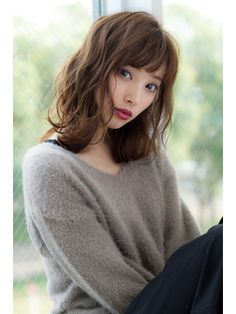 Most people are envious of those with thick and luxurious hair. But often those who have it wonder exactly how to style and manage it. Medium Hair Cuts, Short Hair Cuts, Medium Hair Styles, Short Hair Styles, Japanese Haircut, Japanese Hairstyle, Japanese Perm, Permed Hairstyles, Cool Hairstyles