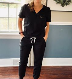 Cute Nursing Scrubs, Cute Scrubs, Nursing Clothes, Fig Scrubs, Cute Medical Scrubs, Scrubs Outfit, Scrubs Uniform, Workwear Fashion, Fashion Outfits