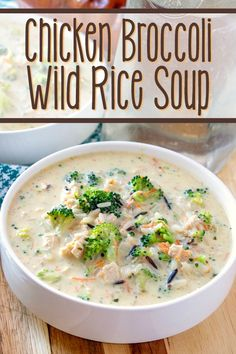 Chicken Broccoli and Wild Rice Soup makes for an easy family-pleasing recipe that is chock-full of delicious chicken, broccoli, and wild rice in a creamy broth! Chicken Broccoli Rice, Creamy Chicken And Rice, Broccoli Soup Recipes, Best Soup Recipes, Chili Recipes, Healthy Recipes, Chicken Recipes, Favorite Recipes, Chicken Wild Rice Soup
