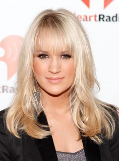 Carrie Underwood Medium Straight Hairstyles with Bangs