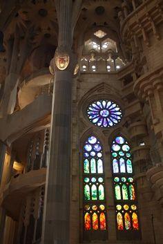 Sagrada Familia – Gaudi Architecture