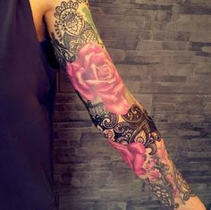 Lace and roses tattoo sleeve girl, rose sleeve tattoos, sleeve tattoo Lace Sleeve Tattoos, Vintage Tattoo Sleeve, Tattoo Sleeve Filler, Girls With Sleeve Tattoos, Female Tattoo Sleeve, Family Sleeve Tattoo, Arm Tattoos For Women Upper, Manga Floral, Rose Sleeve