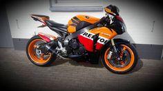 Honda CBR 1000RR Fireblade Repsol #tekoop #aangeboden in de groep van Motortreffer #motorentekoopmt #motortreffer #honda #hondacbr #hondacbr1000rr #hondacbr1000rrfireblade #hondarepsol #hondacbr1000rrrepsol