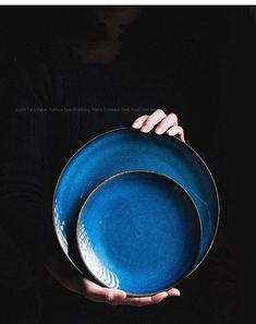 Snack Bowls, Color Glaze, Plate Display, Party Plates, Japanese Ceramics, Glazed Ceramic, Ceramic Plates, Kitchen Dining