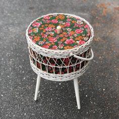 Sortiment | Selmi Nytt og Brukt Chair, Furniture, Home Decor, Decoration Home, Room Decor, Home Furnishings, Stool, Home Interior Design, Chairs