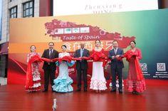 Doce empresas andaluzas dan a conocer sus productos en una promoción agroalimentaria en la cadena City Shop de China http://noticias.lainformacion.com/economia-negocios-y-finanzas/empresas/doce-empresas-andaluzas-dan-a-conocer-sus-productos-en-una-promocion-agroalimentaria-en-la-cadena-city-shop-de-china_zwXI5sVttXJpJPuLM6ykJ7/ vía @la_informacion