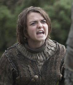 """Arya Stark calling the Hound the """"worst sh*t""""!"""