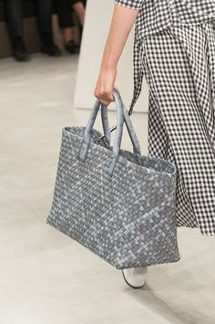 Bottega Veneta at Milan Spring 2015 (Details)
