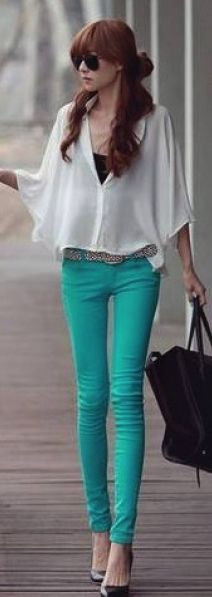 Cute outfit but I am in love with the color of the pants..korean fashion