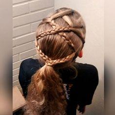 Lovely hairstyle inspired by @lauraelizabethglasgow  . Tämän ihanan lettikampauksen idean sain yllämainitulta tililtä