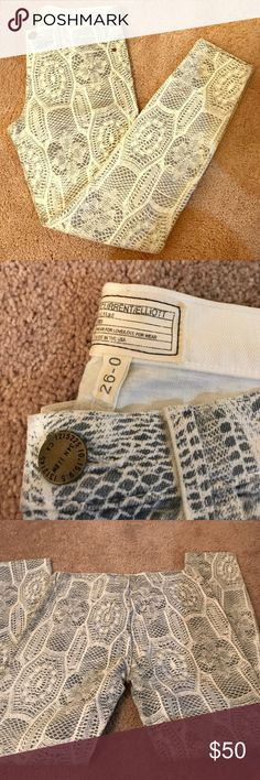 Current/Elliot snake skin print Jeans Skinny jeans, soft and stretchy. It's a blue/gray color and off-white. Current/Elliott Jeans Skinny