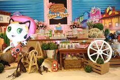 Main table decoration theme - Sheriff Callie Birthday