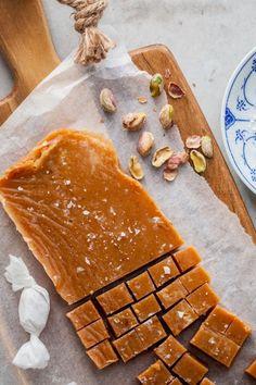 gräddkola Treats, Cheese, Candy, Cookies, Desserts, Food, Sweet Like Candy, Sweet, Tailgate Desserts