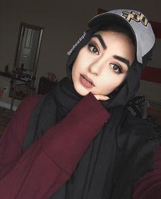 #hijab style. @adarkurdish Hijabi Girl, Girl Hijab, Hijab Outfit, Arab Fashion, Islamic Fashion, Womens Fashion, Gothic Lingerie, Mode Abaya, Beautiful Muslim Women