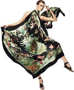 Carrés Hermès Printemps Eté 2013 : Des Foulards pour Karlie Kloss