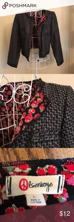Olsenboye Crop Jacket This a cute crop blazer with lots of detail. Tweed fabric on outside - sassy floral print on the inside. Olsenboye Jackets & Coats Blazers