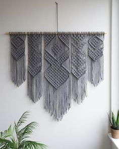 "Gray Macrame Wall Hanging 48 ""x / Woven Tapestry Wall Hanging / Bohemian Wall Art Bring light, airy texture to your space with our artful macrame wall hanging. Intricately hand knotted in our studio using cotton rope with long fringe, it boas Bohemian Wall Art, Bohemian Tapestry, Bohemian Living, Diy Macrame Wall Hanging, Tapestry Wall Hanging, Room Tapestry, Wall Hangings, Art Pariétal, Motif Floral"