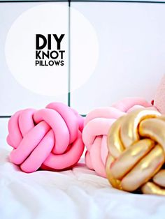 DIY-Knot-Pillows