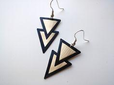 Boucles d'oreille triangles noirs et dorés en capsules de café Nespresso