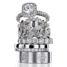 Cartier again. Gosh they're gorgeous. Such opulence kinda makes me wish I were a woman.... Ok maybe not that far but you get it.