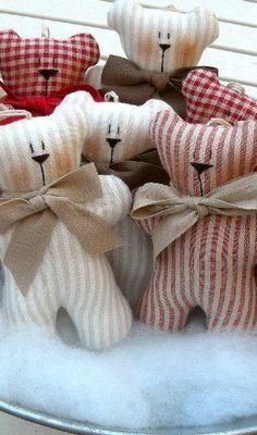 Charming Home Tour ~ Country Kitty - Town & Country Living Handmade pretties, gardening, crafting, home making and pretty things. Felt Crafts, Fabric Crafts, Sewing Crafts, Sewing Projects, Craft Projects, Operation Christmas Child, Sewing For Kids, Baby Sewing, Doll Patterns