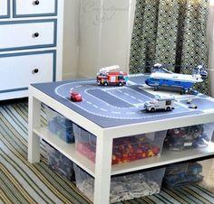 14 tables à Lego faciles à fabriquer pour la salle de jeu de vos enfants (PHOTOS)