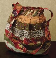 FREE Handbag & Purse Sewing Patterns & Tutorials / Round Trip Bag ... I need to check this out later.