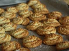 ..: Soft biscuits pastry with ricotta  site needs translation.