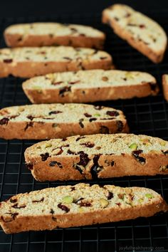 This Cranberry Pistachio Biscotti is going to be your coffees new best friend, its sweet salty and perfect for an after dinner snack for the holidays. Italian Biscuits, Italian Cookies, Italian Desserts, Biscotti Cookies, Biscotti Recipe, Cookie Desserts, Cookie Recipes, Scones, Brunch Recipes