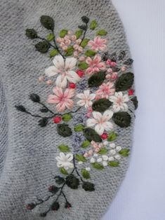Modern Embroidered pieces, traditional hand techniques by HandfulOfThreads Applique Stitches, Basic Embroidery Stitches, Floral Embroidery Patterns, Hand Embroidery Flowers, Embroidery On Clothes, Wool Embroidery, Hand Embroidery Designs, Embroidered Flowers, Cross Stitch Embroidery