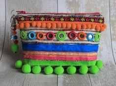 Étnica de cítricos brillantes adornado bolsa Zip por RENIQLO