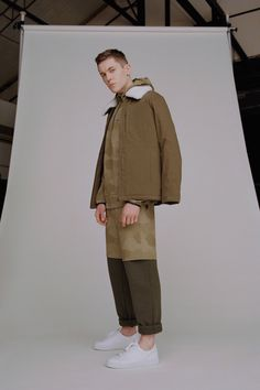 French brand A. made a special trip to New York to show its latest collection and to debut a new collaboration with similarly low-key activewear line Outdoor Voices. Fashion Week, Fashion Show, Men's Fashion, Fashion Tips, Fashion Design, Fashion Trends, Dressing, Skinny, French Fashion