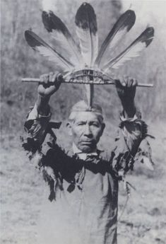 Fig Cherokee eagle feather wand, ca. by Will West Long. Bald-eagle feathers mounted on a sourwood frame; used in the Eagle Dance as an emblem of peace. From Speck and Brown Pl. Reproduced courtesy of the American Philosophical Society Cherokee History, Native American Cherokee, Native American Photos, Native American Tribes, Native American History, American Symbols, Cherokee Tribe, Cherokee Indians, Native Indian