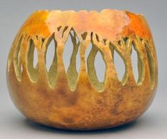 gourd art by Claudia Herber I give to you what was promised, but even better; I've produced the record inside the buy of the lowest cost to the upper cost Decorative Gourds, Hand Painted Gourds, Egg Crafts, Gourd Crafts, Halloween Gourds, Gourds Birdhouse, Wood Carving Designs, Gourd Art, Nature Crafts