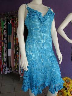 Vestido de crochê 100% algodão. Tam M Lindo modelo para ser usado no verão. Não acompanha forro. R$ 280,00