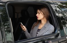 Take a Luxury Taxi in New York or London Airport Car Service, Digital Trends, Uber, Taxi, New York City, All About Time, Take That, Good Things, London