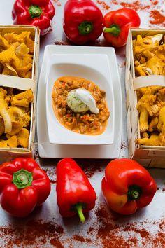 Foto: Casinos Austria Stuffed Peppers, Vegetables, Austria, Food, Parsley, Stuffed Pepper, Goulash, Mushrooms, Cooking