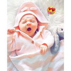 Hey Sweetie Visit our Website www.xyz and enjoy with our Girls Quizzes ! Cute Baby Boy Photos, Cute Baby Couple, Cute Kids Pics, Cute Baby Videos, Baby Boy Pictures, Cute Little Baby, Baby Images, Mother Baby Photography, Cute Babies Photography
