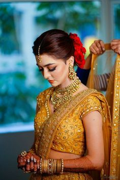 A Minimalist Mumbai Wedding With A Bride In A Self-Designed Breathtaking Gold Lehenga! WhatsApp us for Purchase & Inquiry : Buy Best Designer Colle Indian Bridal Outfits, Indian Bridal Makeup, Bridal Dresses, Bridesmaid Dresses, Bridesmaids, Bridal Beauty, Bridal Tips, Bridal Poses, Bridal Makeup Images