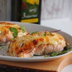 Łosoś zapiekany z mozzarellą Polish Recipes, Fish And Seafood, Seafood Recipes, Mozzarella, Pork, Turkey, Chicken, Healthy, Diet