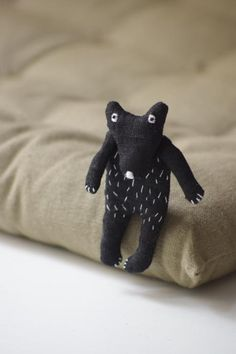 The Black Bear. Brooch The Black Bear Brooch by Adatine is made from 100 % Lithuanian linen - how cute is this little guy? Softies, Fru Fru, Textiles, Art Textile, Little Doll, Fabric Jewelry, Soft Sculpture, Black Bear, Handmade Toys