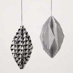 Boules en forme de diamants en papier design (série Paris)